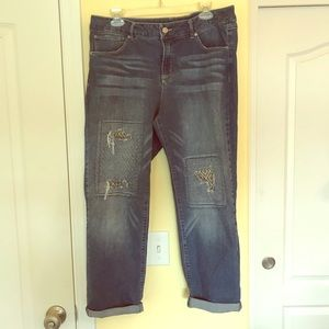 Signature Studio Distressed Crop Jeans Size 16